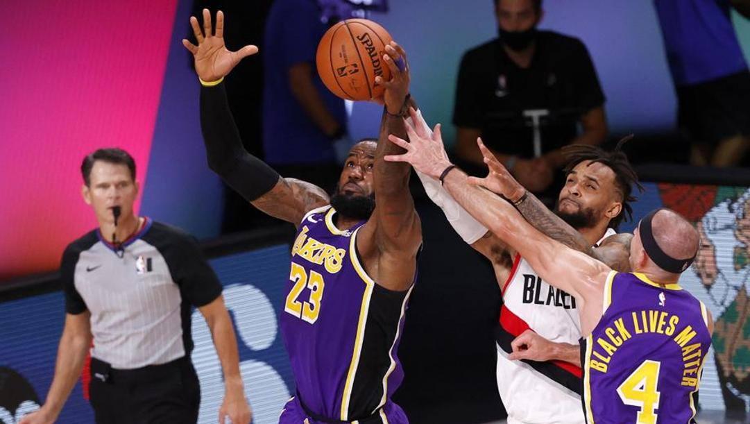 LeBron James protagonista contro Portland. Epa